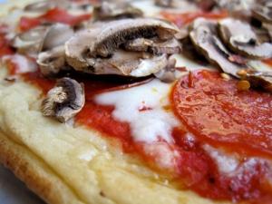 Mellow Mushroom GF Pizza